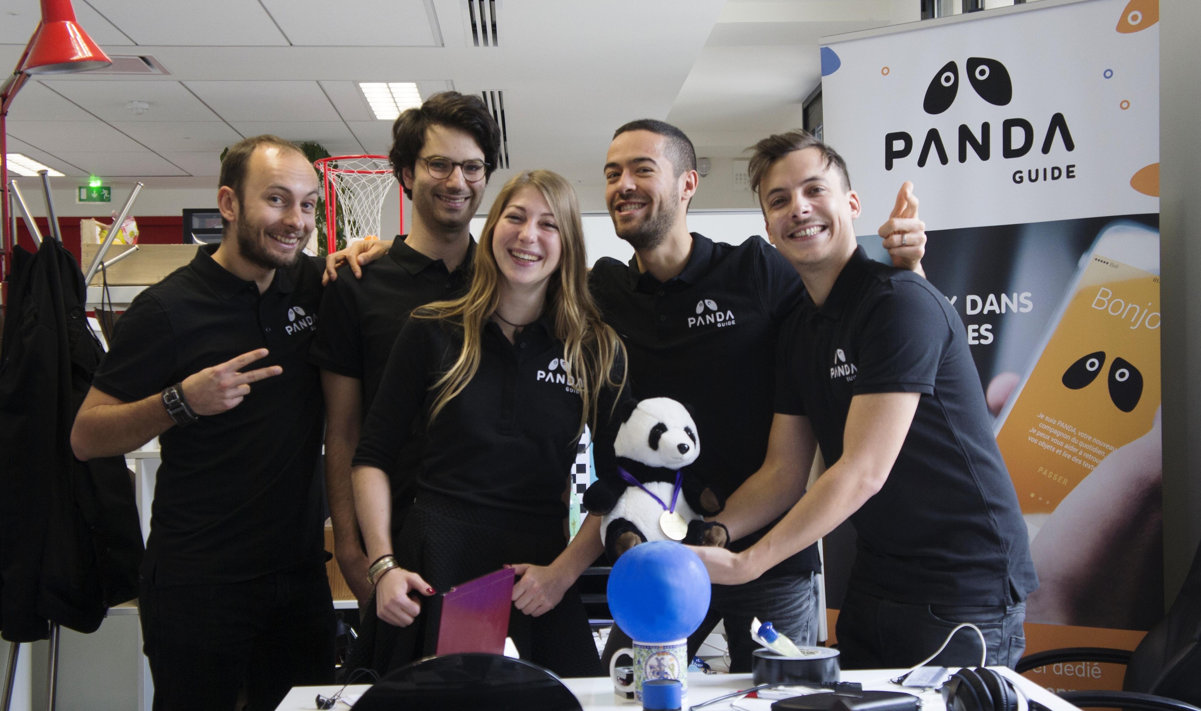 équipe panda-guide pour aveugles