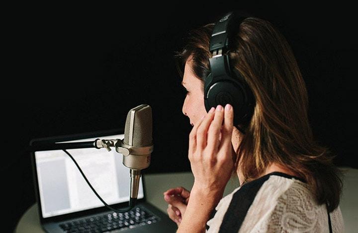 Audio-descripteur au cinéma